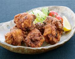 鶏もも肉のジューシー唐揚げ